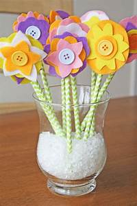 Frühlingsdeko Mit Kindern Basteln : blumen basteln mit kindern aus papier filz und plastik 16 kreative ideen ~ Markanthonyermac.com Haus und Dekorationen