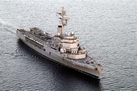 marine nationale le dernier voyage du porte h 233 licopt 232 re jeanne d arc fncv infos et