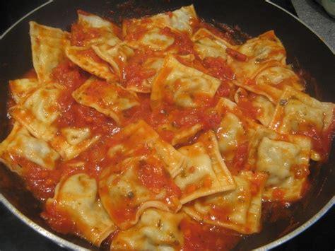 raviolis maison 224 la sauce tomate le des puits d anges