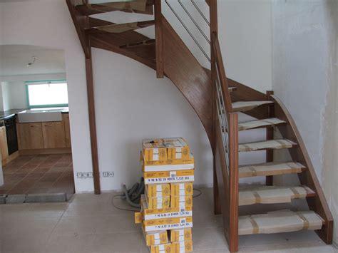 pin escalier quart tournant avec limon central acier on