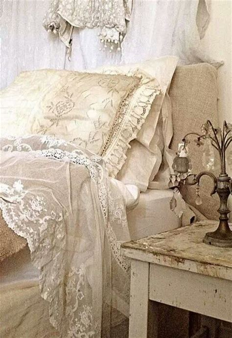 shabby chic projects to try draps de lit dentelle ancienne et shabby chic