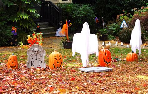 + Scary Outside Halloween Ghost Decorations Ideas