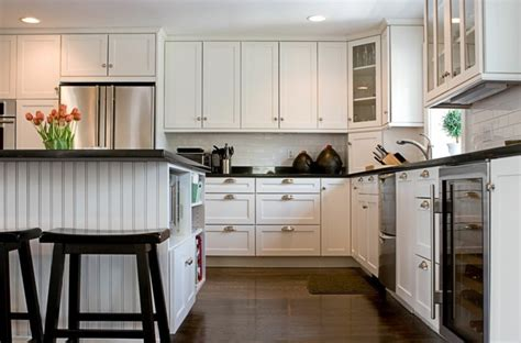 Küchenschränke In Weiß  Eine Helle Und Moderne