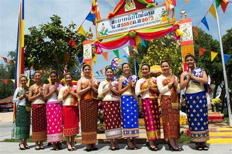 Lao Dragon Boat Festival San Diego by Lao New Year 2013 Wat Lao Riverside California Youtube