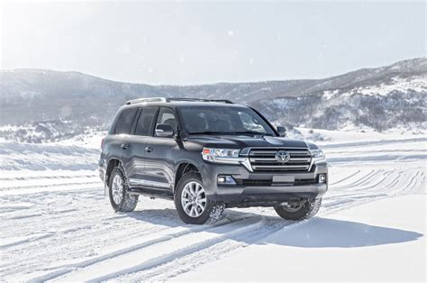 2019 Toyota Land Cruiser Review, Engine, Price, Release