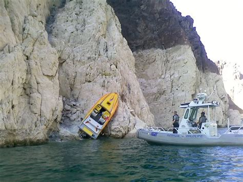 Wake Boat Crash by Boat Crash At Lake Mead Offshoreonly