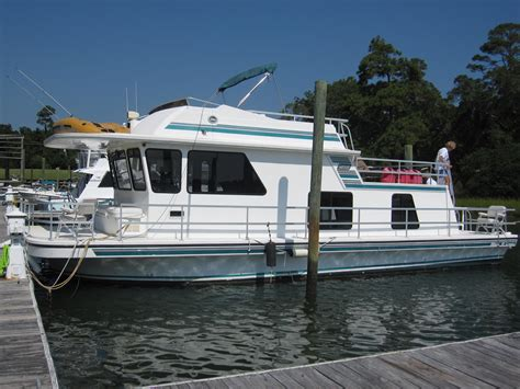 Houseboat Jobs by Gibson Diesel Houseboat Brick7 Boats
