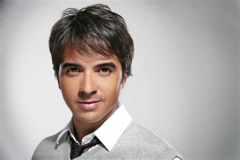 27 Wonderful Truths You Did Not Know About Luis Fonsi