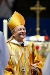 Homosexual Episcopal Bishop Robinson Promotes Dissent ...
