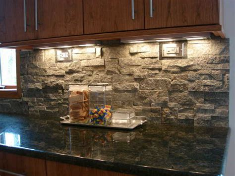 9 Eye-catching Backsplash Ideas For Every Kitchen Style Living Room Club Tirana Sets Orlando Modern Romantic Ideas What Is Informal Design Your Free Apartment Budget Layout Narrow Black Furniture
