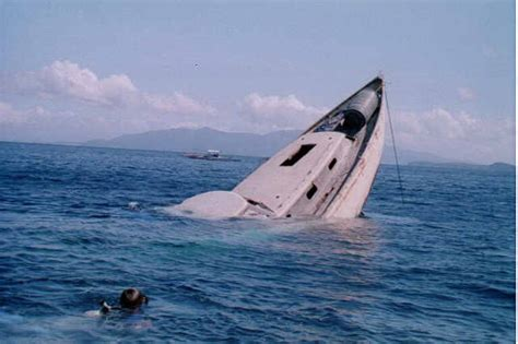 Pictures Of Sinking Boats by Sinking Boat Photo