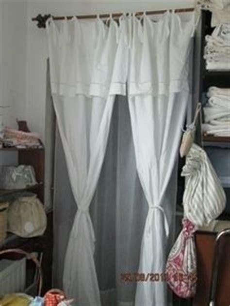 rideaux drap ancien en initiales rn textiles