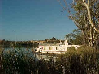 Wake Boat Hire South Australia by Why The Riverland Is A Popular Tourist Resort