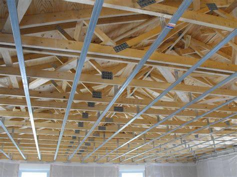 mise en place suspentes et rails pour placo du plafond arnaud et au quot clos des tourterelles quot