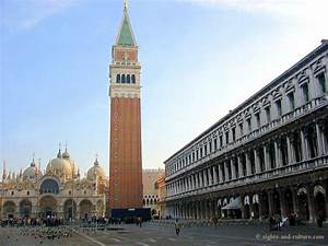 St Mark's Square in Venice   Travelling around the World