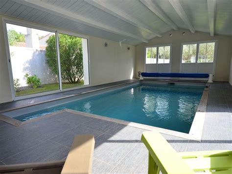 villa 12 personnes avec piscine interieure chauffee charente maritime 1447701 abritel
