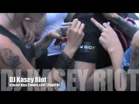 Chicks Ahoy Boat Cruise Vancouver by Kasey Riot Djing Flygirl S Chicks Ahoy Boat Cruise Youtube