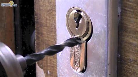 ouvrir une porte sans clef 28 images ouvrir une armoire sans clef table de lit comment