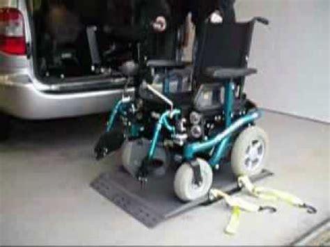 handi mobil transformations de voitures pour handicap 233 s chargeur de fauteuil roulant
