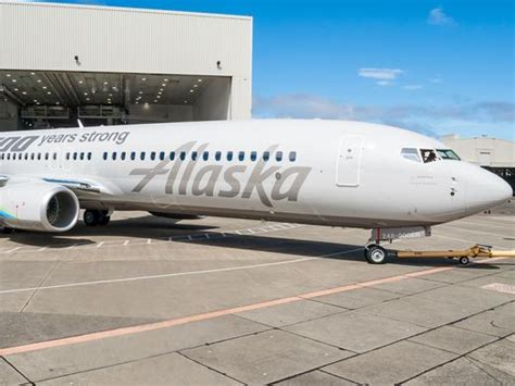 alaska airlines seattle office the alaska air unveils special 737 painted to honor boeing