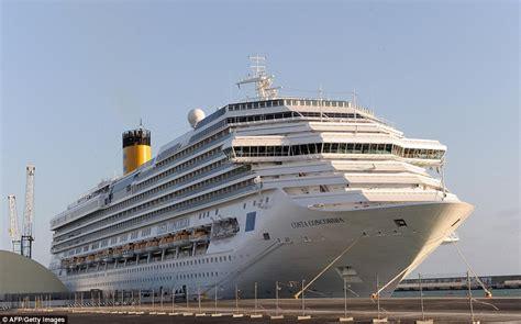 Schip Concordia by Costa Concordia Wreckage Torn Apart For Scrap 5 Years