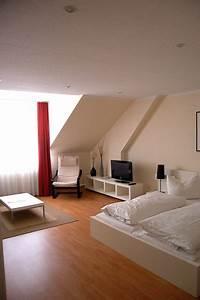 Farben Für Kleine Räume Mit Dachschräge : einrichtungstipps f r kleine r ume ~ Markanthonyermac.com Haus und Dekorationen