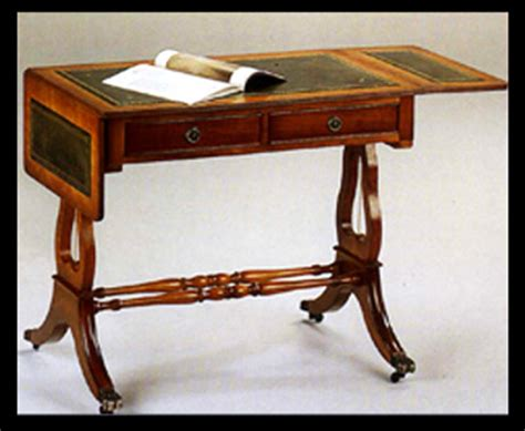 bureau lyre en bois de merisier dessus cuir vert longfield 1880