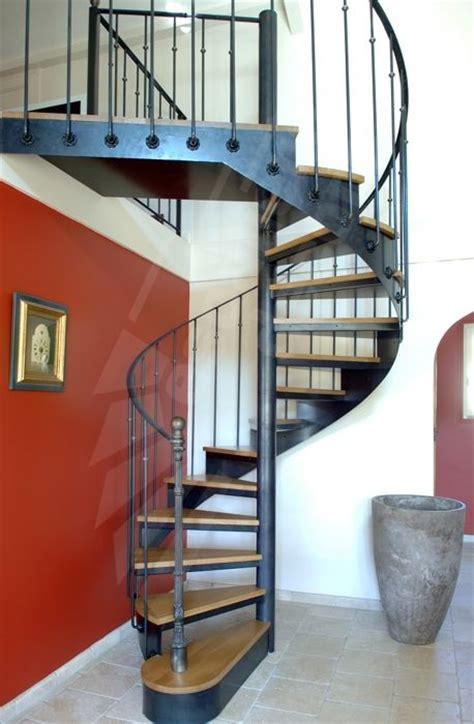 les 25 meilleures id 233 es de la cat 233 gorie escalier en fer forg 233 sur