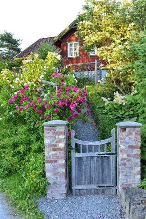 17 Best Images About Garden Gates On Pinterest Gardens