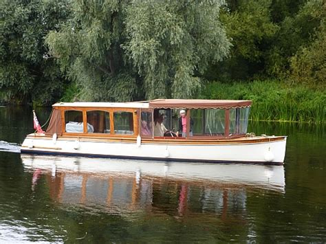 Boat Sales Windsor Uk by The River Thames Guide Boats For Sale Boat Brokers