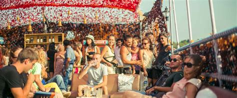 Goa Boat Party by Plan Your Best Boat Party Cruise Experience In Goa We Ve