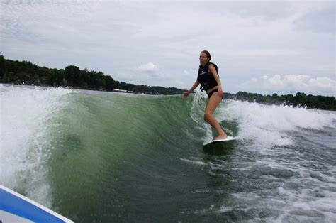 Good Wakesurfing Boats by Why Are People Hating Mastercraft Boats For Surfing