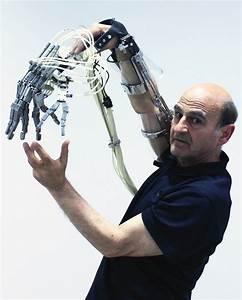 This Australian Artist Grew a Third Ear on His Arm - Lend ...