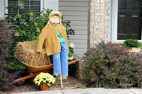 Diy Scarecrow Tutorial  House Of Hawthornes