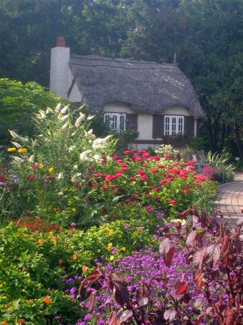 Top 25+ Best English Cottage Gardens Ideas On Pinterest