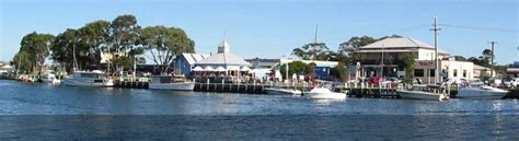 Boat Club Victoria by Paynesville Gippsland Lakes Classic Boat Club