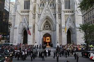 In New York service, pope offers encouragement to men ...