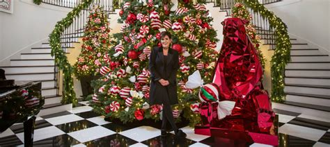 See What Are Kris Jenner's Favourite Christmas Decor Ideas