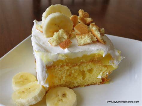 banana pudding poke cake banana pudding poke cake