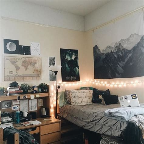 apartment decorations for guys best 25 rooms ideas on guys college