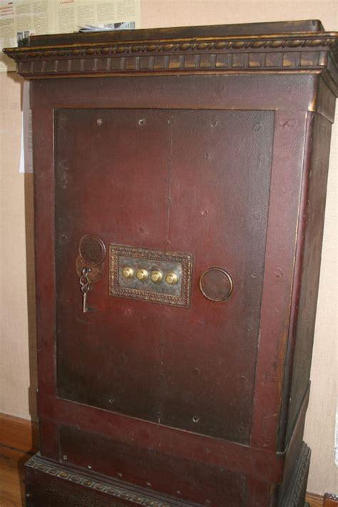 comment ouvrir un coffre fort ancien