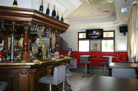 melting pot classic pub almancil restaurant reviews phone number photos tripadvisor