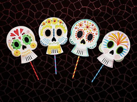 Deck The Howls 6 Easy Halloween Crafts Parents