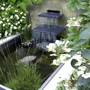 Teich Mit Wasserfall : wasserfall im garten 25 wundersch ne ideen ~ Markanthonyermac.com Haus und Dekorationen
