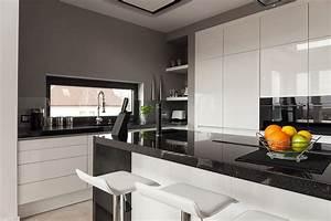 Arbeitsplatten Für Küchen Günstig : arbeitsplatten f r k chen materialwahl und pflege mein bau ~ Markanthonyermac.com Haus und Dekorationen