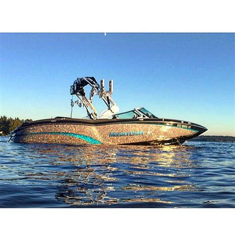Good Wakesurfing Boats by 22 Best Wakesurfing And Wakeboarding Boats Images On