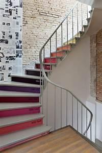 Treppen Streichen Ideen : holztreppe streichen farbig und kreativ ~ Markanthonyermac.com Haus und Dekorationen
