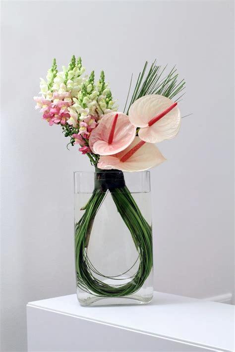 25 best ideas about modern flower arrangements on modern floral arrangements