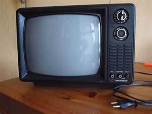 Eckschrank Für Fernseher : antik fernseher neu und gebraucht kaufen bei ~ Markanthonyermac.com Haus und Dekorationen