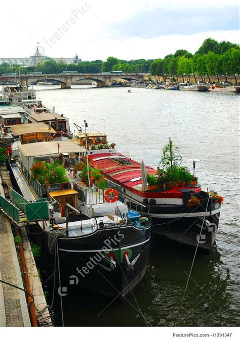 Houseboats Paris by Picture Of Houseboats In Paris